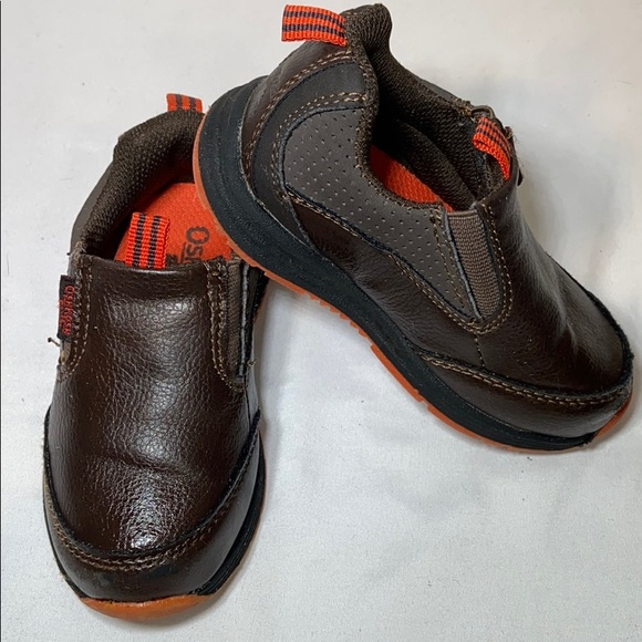 OshKosh B'gosh Other - OshKosh Loafers & Slip-on boys toddles, brown, 6M
